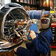 CERN di Ginevra 13/02/07, il nuovo impianto dell'acceleratore LHC (Large Hadron Collider)  lungo 27 km ad una profondità media di 80 metri... nella foto l'officina in xui si assemblano i magneti dell'acceleratore....fotografia di Michele D'Ottavio