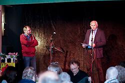 40 Jahre Gorleben, das heißt auch 40 Jahre Bürgerinitiative Umweltschutz Lüchow-Dannenberg e.V. – am 2. März 1977 wurde die BI in das Vereinsregister eingetragen. <br /> Dies nahm die BI zum Anlass, am 25.03.2017 zur Jubiläumsfeier in die Trebelner Bauernstuben  einzuladen. Im Bild (von links): BI-Mitglied Torsten Koopmann und der Landrat des Kreises Lüchow-Dannenberg, Jürgen Schulz (parteilos)<br /> <br /> Ort: Trebel<br /> Copyright: Michaela Mügge<br /> Quelle: PubliXviewinG