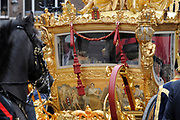Prinsjesdag 2011 - Paleis Noordeinde Den Haag.  Op Prinsjesdag spreekt het staatshoofd, Koningin Beatrix, de troonrede uit. Daarin geeft de regering aan wat het regeringsbeleid zal zijn voor het komende jaar.<br /> <br /> Prinsjesdag (English: Prince's Day) is the day on which the reigning monarch of the Netherlands (currently Queen Beatrix) addresses a joint session of the Dutch Senate and House of Representatives in the Ridderzaal or Hall of Knights in The Hague. <br /> <br /> Op de foto/ On the Photo Gouden Koets / Golden Carriage