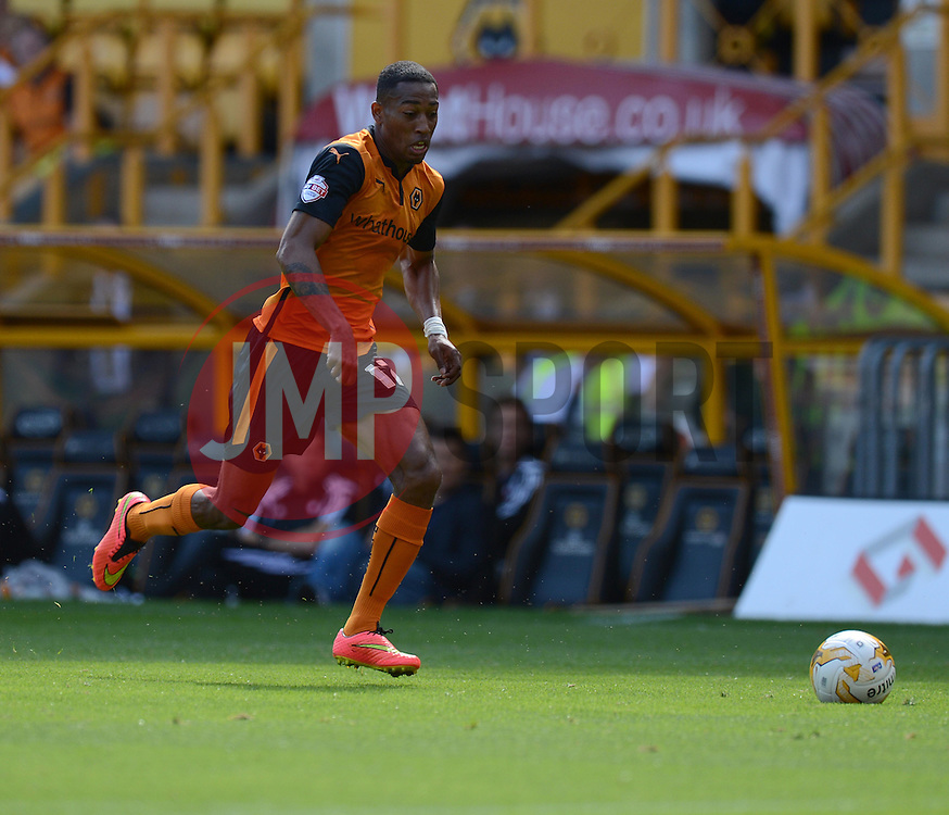 Wolverhampton's Rajiv Van La Parra  - Photo mandatory by-line: Alex James/JMP - Tel: Mobile: 07966 386802 2/08/2014 - SPORT - FOOTBALL -  Wolverhampton - Molineux Stadium  -   Wolverhampton vs  Celta Vigo - preseason