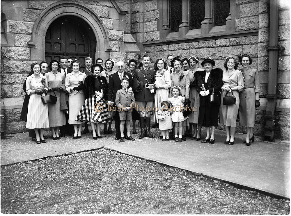 10/9/1952<br /> 9/10/1952<br /> 10 September 1952<br /> <br /> Wedding of Capt. Pat O'Donnel and Miss Stephanie Tyndall, Glasnevin at Iona Road and Clarence Hotel