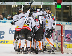 08.01.2016, Keine Sorgen Eisarena, Linz, AUT, EBEL, EHC Liwest Black Wings Linz vs Dornbirner Eishockey Club, 41. Runde, im Bild Dornbirn feiert den Sieg in Linz // during the Erste Bank Icehockey League 41st round match between EHC Liwest Black Wings Linz and Dornbirner Eishockey Club at the Keine Sorgen Icearena, Linz, Austria on 2016/01/08. EXPA Pictures © 2016, PhotoCredit: EXPA/ Reinhard Eisenbauer