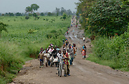 Nyongera, Congo--Hundreds of villagers return home after being displaced from this town in Eastern Congo. After arriving home, many found their padlocked homes looted by rebels and soldiers. (Photo by Miguel Juárez Lugo)