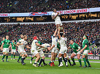 LONDON, ENGLAND - MARCH 17: England's Maro Itoje claims the lineout during the NatWest Six Nations Championship match between England and Ireland at Twickenham Stadium on March 17, 2018 in London, England. (Photo by Ashley Western - MB Media via Getty Images)