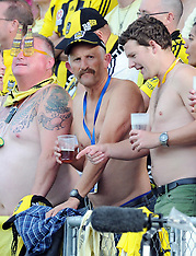 Dunedin-Phoenix owner Gareth Morgan puts shirt on teams win
