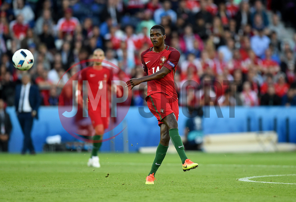 William Carvalho of Portugal  - Mandatory by-line: Joe Meredith/JMP - 18/06/2016 - FOOTBALL - Parc des Princes - Paris, France - Portugal v Austria - UEFA European Championship Group F