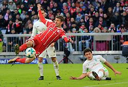 20180121, 1.BL, FC Bayern vs Werder Bremen, Allianz Arena Muenchen, Fussball, Sport, im Bild:..1:1 durch Thomas Mueller (FCB), Robert Bauer (Bremen) und Milos Veljkovic (Bremen) schauen zu...*Copyright by:  Philippe Ruiz..Postbank Muenchen.IBAN: DE91 7001 0080 0622 5428 08..Oberbrunner Strasse 2.81475 MŸnchen, .Tel: 089 745 82 22, .Mobil: 0177 29 39 408..( MAIL:  philippe_ruiz@gmx.de ) ..Homepage: www.sportpressefoto-ruiz.de. (Credit Image: © Philippe Ruiz/Xinhua via ZUMA Wire)