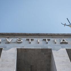 Foto Piero Cruciatti / LaPresse<br /> 9-04-2015 Milano, Italia<br /> Cronaca<br /> Un elicottero della Polizia sorvola il Tribunale<br /> <br /> <br /> Photo Piero Cruciatti / LaPresse<br /> 9-04-2015 Milan, Italy<br /> News<br /> A Police helicopter flies over the court