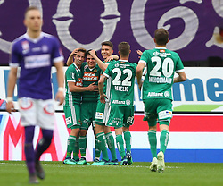 15.04.2018, Ernst Happel Stadion, Wien, AUT, 1. FBL, FK Austria Wien vs SK Rapid Wien, 30. Runde, im Bild Torjubel Rapid mit dem Torschuetzen Thomas Murg (SK Rapid Wien) // during Austrian Football Bundesliga Match, 30th Round, between FK Austria Vienna and SK Rapid Wien at the Ernst Happel Stadion, Vienna, Austria on 2018/04/15. EXPA Pictures © 2018, PhotoCredit: EXPA/ Thomas Haumer