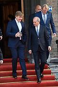 Koning Willem-Alexander en kroonprinses Victoria van Zweden zijn bij de viering van het 20-jarig jubileum van de inwerkingtreding van het Verdrag Chemische Wapens (CWC) en de oprichting van de Organisatie voor het Verbod van Chemische Wapens (OPCW). De ceremonie vond plaats in de Ridderzaal in Den Haag. <br /> <br /> King Willem-Alexander and Crown Princess Victoria of Sweden are celebrating the 20th anniversary of the entry into force of the Chemical Weapons Convention (CWC) and the establishment of the Organization for the Prohibition of Chemical Weapons (OPCW). The ceremony took place in the Ridderzaal in The Hague.<br /> <br /> Op de foto / On the photo:  Koning Willem-Alexander   //  King Willem-Alexander
