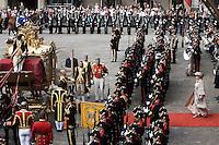 Nederland. Den Haag, 16 september 2008.<br /> Prinsjesdag.<br /> Koningin Beatrix verlaat de Ridderzaal.<br /> Foto Martijn Beekman<br /> NIET VOOR PUBLIKATIE IN LANDELIJKE DAGBLADEN.