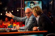 DEN HAAG - (VLNR) Dennis van der Geest, Wilfred Genee, Johan Derksen, Rene van der Gijp en Hans Kraay jr. in De Zomer Van 4: VI Oranje. RTL4 zendt tijdens het EK voetbal weer uit vanuit het Kurhaus in Scheveningen.