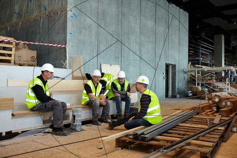 bygning af DOKK1, bibliotek og Borgerservice på havnen i Aarhus, pause