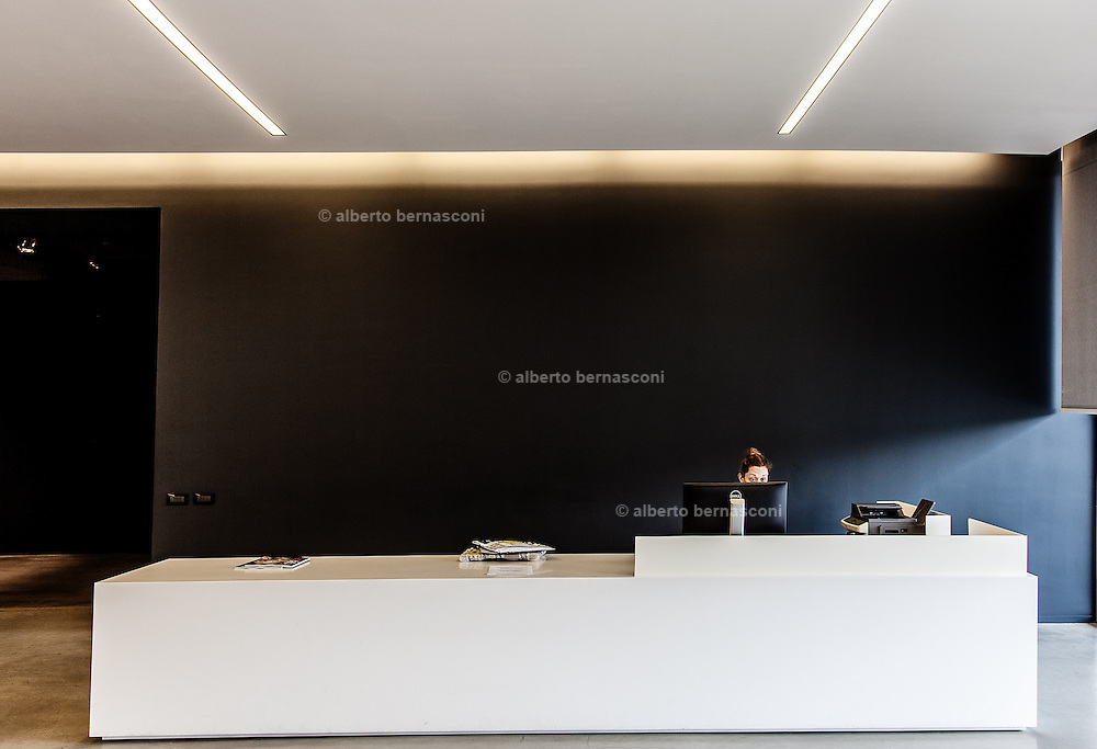 Inverigo, Poliform lab, reception