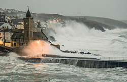 © Licensed to London News Pictures. 17/04/2018. UK. Stormy weather hits Porthleven the day before the forecast warm sunny weather is due to arrive in the UK.  Photo credit: MARK HEMSWORTH/LNP