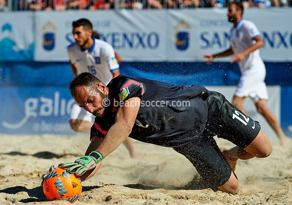 Greece goalkeeper Pertsas in action during the Euro Beach Soccer League 2016 in Sanxenxo. (Photo by Manuel Queimadelos)