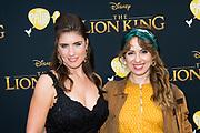 Nederlandse galapremiere van de Disney-klassieker Lion King in Pathe Tuschinski, Amsterdam.<br /> <br /> Op de foto:  Marieke Elsinga met een vriendin