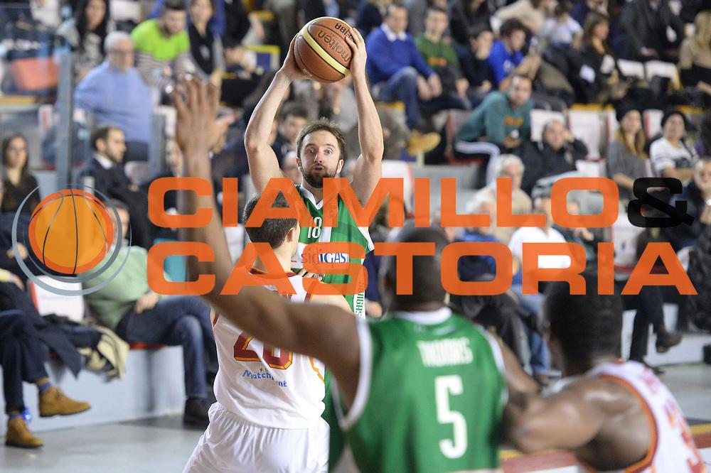 DESCRIZIONE : Campionato 2013/14 Acea Virtus Roma - Sidigas Avellino<br /> GIOCATORE : Daniele Cavaliero<br /> CATEGORIA : Passaggio Composizione<br /> SQUADRA : Sidigas Scandone Avellino<br /> EVENTO : LegaBasket Serie A Beko 2013/2014<br /> GARA : Acea Virtus Roma - Sidigas Avellino<br /> DATA : 02/02/2014<br /> SPORT : Pallacanestro <br /> AUTORE : Agenzia Ciamillo-Castoria / GiulioCiamillo<br /> Galleria : LegaBasket Serie A Beko 2013/2014<br /> Fotonotizia : Campionato 2013/14 Acea Virtus Roma - Sidigas Avellino<br /> Predefinita :