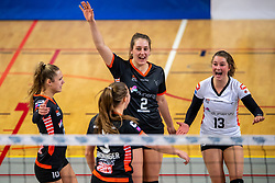 02-02-2019 NED: Regio Zwolle Volleybal - Sliedrecht Sport, Zwolle<br /> Round 16 of Eredivisie volleyball - Sliedrecht win the match 3-2 / Manon Zeeboer #10 of Zwolle, Siska Hoekstra #2 of Zwolle, Bjorna Gras #13 of Zwolle