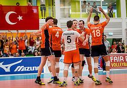 25-09-2016 NED: EK Kwalificatie Nederland - Turkije, Koog aan de Zaan<br /> Nederland plaatst zich voor het EK in Polen door Turkije met 3-1 te verslaan / Daan van Haarlem #1, Wouter ter Maat #16