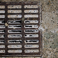 Storm grate with frost