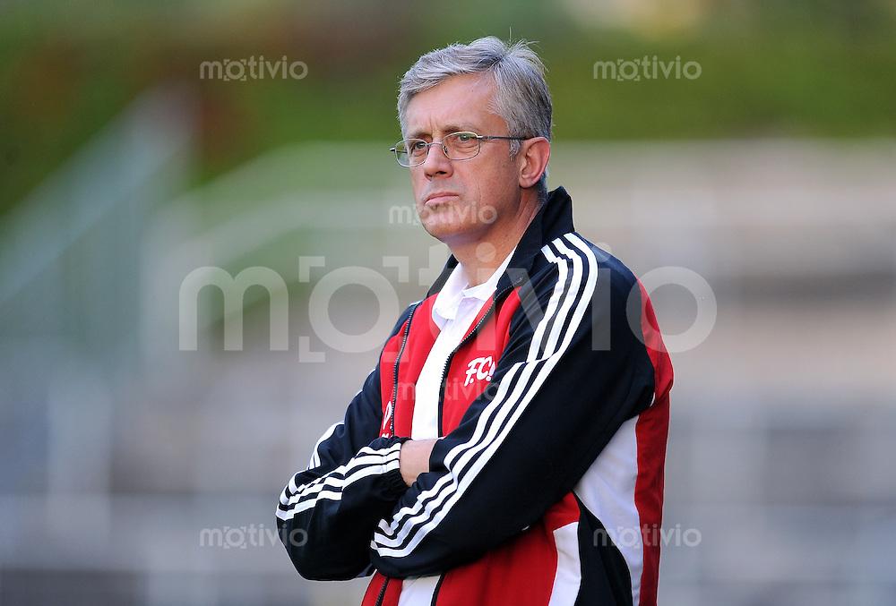 FUSSBALL  Regionalliga Sued     SAISON  2011/2012     12.08.2011 FC Bayern Muenchen II - FC Memmingen Trainer Esad Kahric (FC Memmingen)