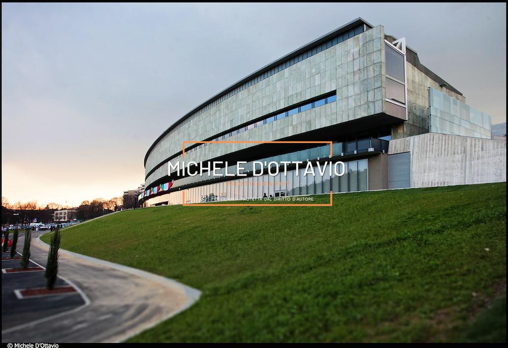 """IL """"NUOVO"""" MUSEO NAZIONALE DELL'AUTOMOBILE DI TORINO, cambia il suo volto. Il progetto architettonico è dall'architetto Cino Zucchi, lo spazio espositivo è firmato dallo scenografo  François Confino, che a Torino ha già ..allestito il Museo nazionale del Cinema."""