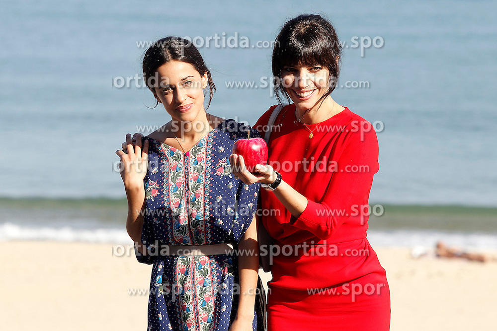 22.09.2012, San Sebastian Donostia, ESP, 60th San Sebastian Donostia International Film Festival, im Bild The actresses Macarena Garcia (l) and Maribel Verdu attend the photocall of 'Blancanieves' // during 60th San Sebastian Donostia International Film Festival, San Sebastian Donostia, Spain on 2012/09/22. EXPA Pictures © 2012, PhotoCredit: EXPA/ Alterphotos/ Acero..***** ATTENTION - OUT OF ESP and SUI *****