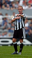 Fotball<br /> Treningskamper England<br /> 31.07.2004<br /> Foto: SBI/Digitalsport<br /> NORWAY ONLY<br /> <br /> Newcastle United v Glasgow Rangers<br /> <br /> Newcastle's Nicky Butt looked commanding in the middle of the pitch.