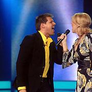 NLD/Weesp/20070319 - 3e Live uitzending Just the Two of Us, Bartina Koeman en Rene van Kooten