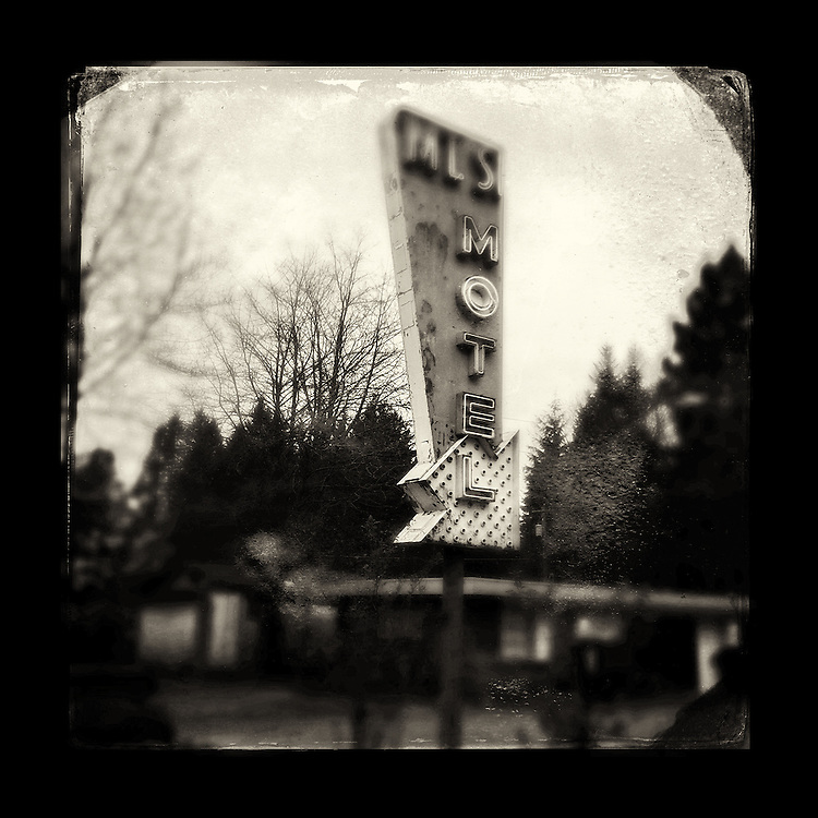 "Charles Blackburn image of the Mt. SI Motel sign in North Bend, WA. 5x5"" print."