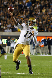 BERKELEY, CA - OCTOBER 06: Quarterback Brett Hundley #17 of the UCLA Bruins passes the ball against the California Golden Bears during the first quarter at California Memorial Stadium on October 6, 2012 in Berkeley, California. (Photo by Jason O. Watson/Getty Images) *** Local Caption *** Brett Hundley
