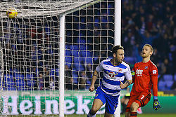 Roy Beerens of Reading scores, Reading 3-2 Brentford - Mandatory by-line: Jason Brown/JMP - 14/02/2017 - FOOTBALL - Madejski Stadium - Reading, England - Reading v Brentford - Sky Bet Championship