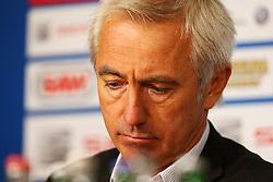 Football: Germany, 1. Bundesliga<br /> Trainer Bert van Marwijk (Hamburger SV, HSV)
