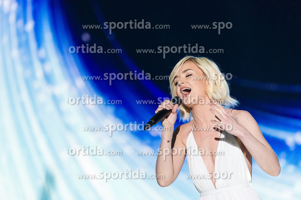 18.05.2015, Stadthalle, Wien, AUT, Eurovision Songcontest Vienna 2015, Kostümrpobe des Ersten Semifinales, im Bild Polina Gagarina aus Russland // Polina Gagarina from Russia during dress rehearsal of the 1st semi final for Eurivision Songcontest Vienna 2015 at Stadthalle in Vienna, Austria on 2015/05/18, EXPA Pictures © 2015, PhotoCredit: EXPA/ Michael Gruber