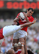 Twickenham, GREAT BRITAIN, Left Steve BORTHWICK, challenges Robert SIDOLI's take of the line out ball, during the Investic Rugby match between, England and Wales, at Twickenham Rugby  Ground, England Sat. 04.07.2007  [Mandatory Credit, Peter Spurrier/Intersport-images].....