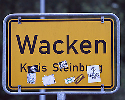 07.08.2010, Wacken Open Air 2010, Wacken, GER, 3.Tag beim 21.Heavy Metal Festival Ortseingangsschild Wacken im Landkreis Steinburg, EXPA Pictures © 2010, PhotoCredit: EXPA/ nph/  Kohring+++++ ATTENTION - OUT OF GER +++++ / SPORTIDA PHOTO AGENCY