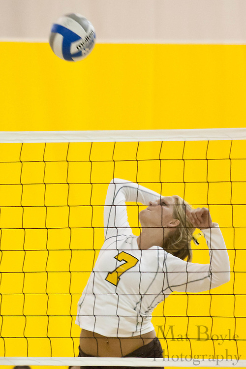2010-09-16: Rowan Univeristy Volleyball defeats Gwynedd-Mercy College 3-0.