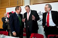 14 DEC 2010, BERLIN/GERMANY:<br /> Frank Bsirske (L), ver.di Vorsitzender, Peter Heesen (M), dbb Bundesvorsitzender, und Frank Stoehr (R), dbb tarifunion 1. Vorsitzender, vor Beginn der Pressekonferenz zu den Forderungen zur Laender-Tarifrunde im öffentlichen Dienst 2011, Katholische Akademie<br /> IMAGE: 20101214-01-006<br /> KEYWORDS: Frank Stöhr
