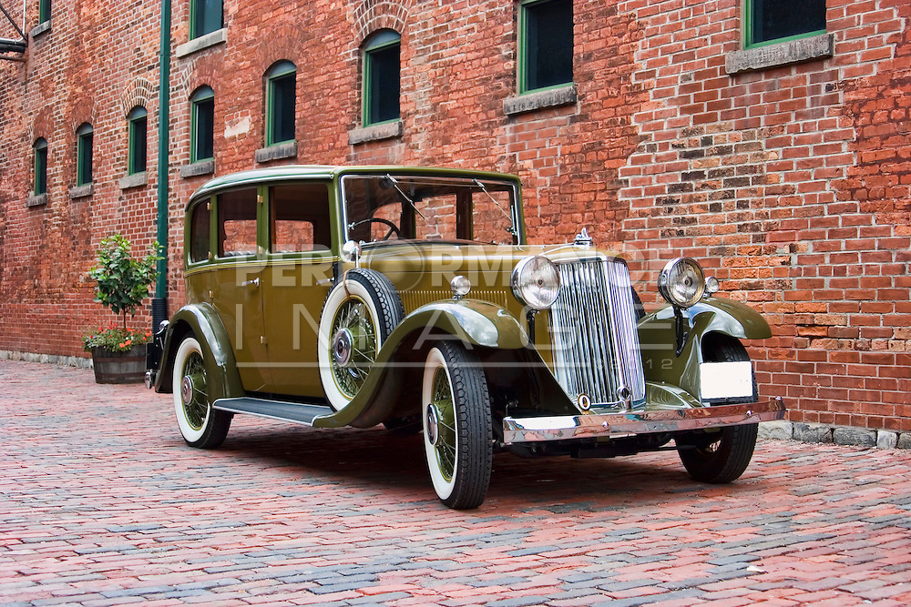1934 Armstrong - Siddeley 20 HP Saloon