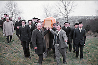 Joe Cahill, prominent member of Sinn Fein and alleged member of the Provisional IRA, at the para-military funeral of Jack McCabe at Shercock, Co Cavan. 197201020006/B.<br />