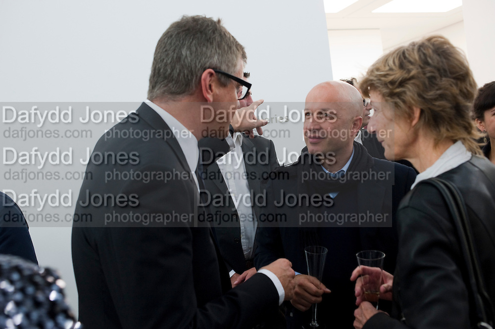 JAY JOPLING; SAM KELLER, Opening of new White Cube Gallery in Bermondsey. London. 11 October 2011. <br /> <br />  , -DO NOT ARCHIVE-© Copyright Photograph by Dafydd Jones. 248 Clapham Rd. London SW9 0PZ. Tel 0207 820 0771. www.dafjones.com.