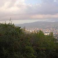 Vista del valle de Caracas desde el Avila, Distrito Federal, Venezuela