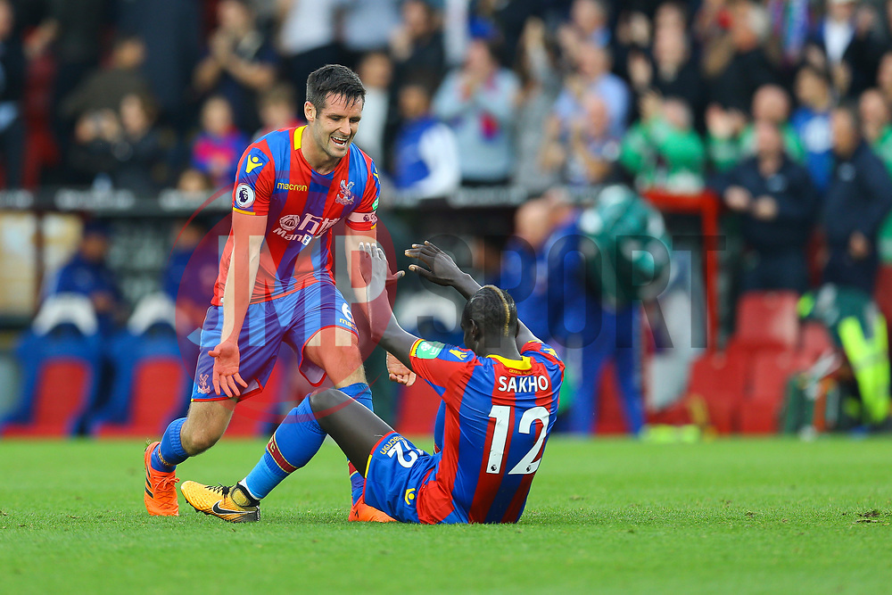 Crystal Palace celebrate as they get their win of the season over Chelsea, final score Crystal Palace2-1 Chelsea - Mandatory by-line: Jason Brown/JMP - 14/10/2017 - FOOTBALL - Selhurst Park - London, England - Crystal Palace v Chelsea - Premier League