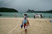 Thailandia , Phi Phi Island Loh Dalam Bay