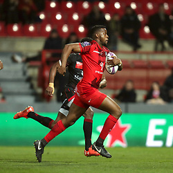 Wandile Mjekevu of Toulouse runs to score a try during the European Challenge Cup match between Toulouse and Lyon on December 7, 2017 in Toulouse, France. (Photo by Manuel Blondeau/Icon Sport)