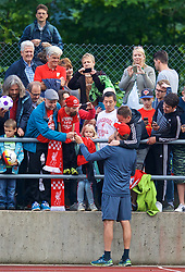 ROTTACH-EGERN, GERMANY - Friday, July 28, 2017: Liverpool's manager Jürgen Klopp poses for photographs with supporters after a training session at FC Rottach-Egern on day three of the preseason training camp in Germany. (Pic by David Rawcliffe/Propaganda)