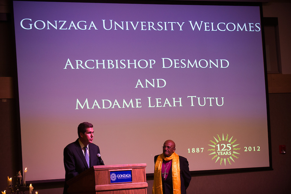 President Thayne McCulloh introduces Archbishop Emeritus Desmond Tutu during the Undergraduate Commencement Honoree Dinner on Saturday, May 12, 2012 in Cataldo Hall, Globe Room.