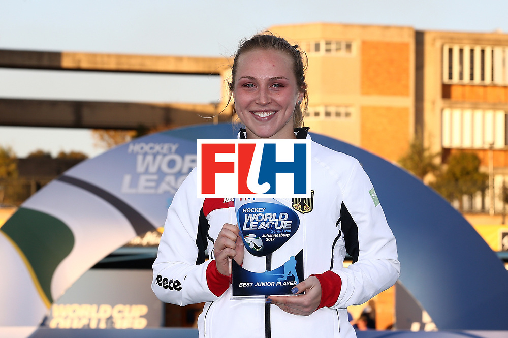 JOHANNESBURG, SOUTH AFRICA - JULY 23:  JNike Lorenz of Germany poses with the best junior player award during day 9 of the FIH Hockey World League Women's Semi Finals at Wits University on July 23, 2017 in Johannesburg, South Africa.  (Photo by Jan Kruger/Getty Images for FIH)