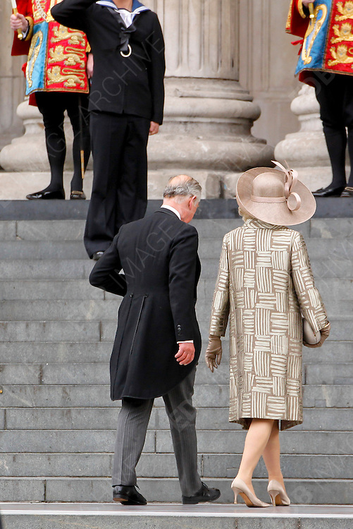 05.JUNE.2012. LONDON<br /> <br /> PRINCE CHARLES AND THE DUCHESS OF CORNWALL ARRIVE AT ST PAUL'S CATHEDRAL TO CELEBRATE THE DIAMOND JUBILEE. LONDON.<br /> <br /> BYLINE: EDBIMAGEARCHIVE.CO.UK<br /> <br /> *THIS IMAGE IS STRICTLY FOR UK NEWSPAPERS AND MAGAZINES ONLY*<br /> *FOR WORLD WIDE SALES AND WEB USE PLEASE CONTACT EDBIMAGEARCHIVE - 0208 954 5968*
